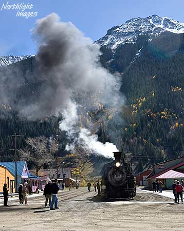 481 arrives at Silverton