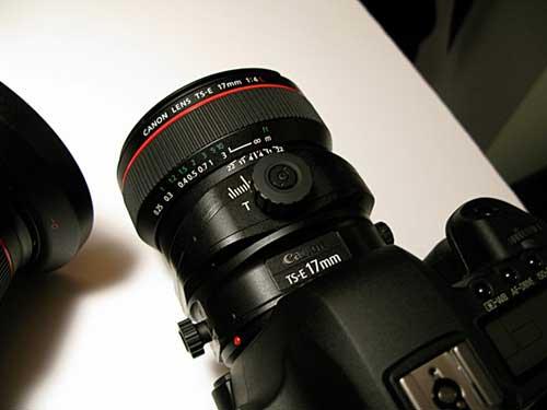 TS-E17 tilt shift lens