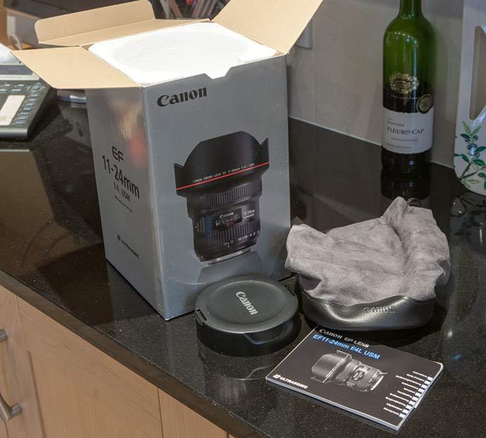 Canon EF11-24 box, bag and lens hood
