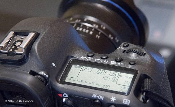 camera display showing aperture
