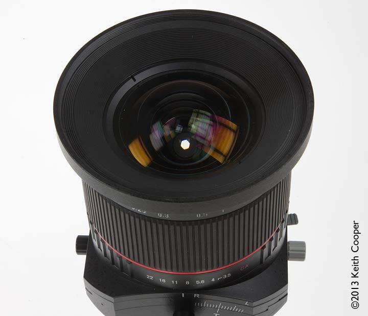 lens aperture showing 6 blade aperture