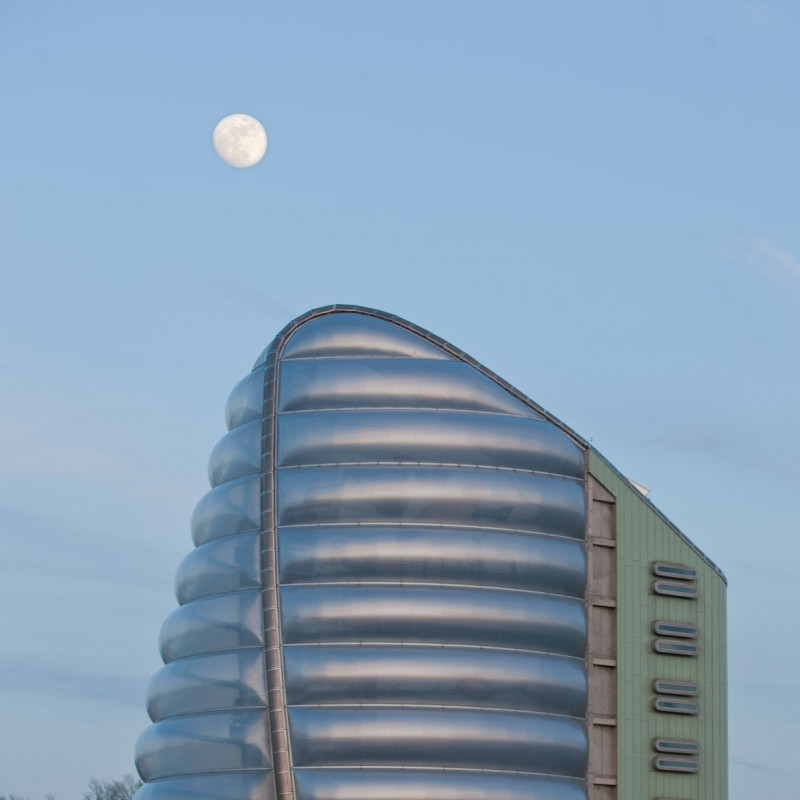 Moon rising over Space Centre