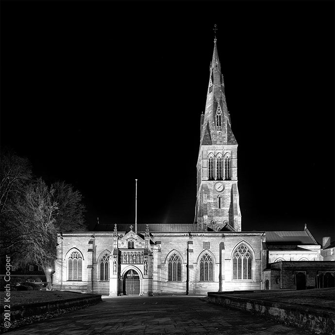 leics cathedral bw