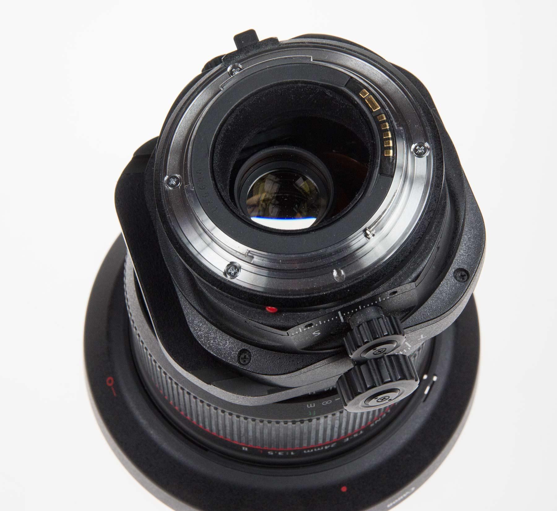 tilted-lens-back