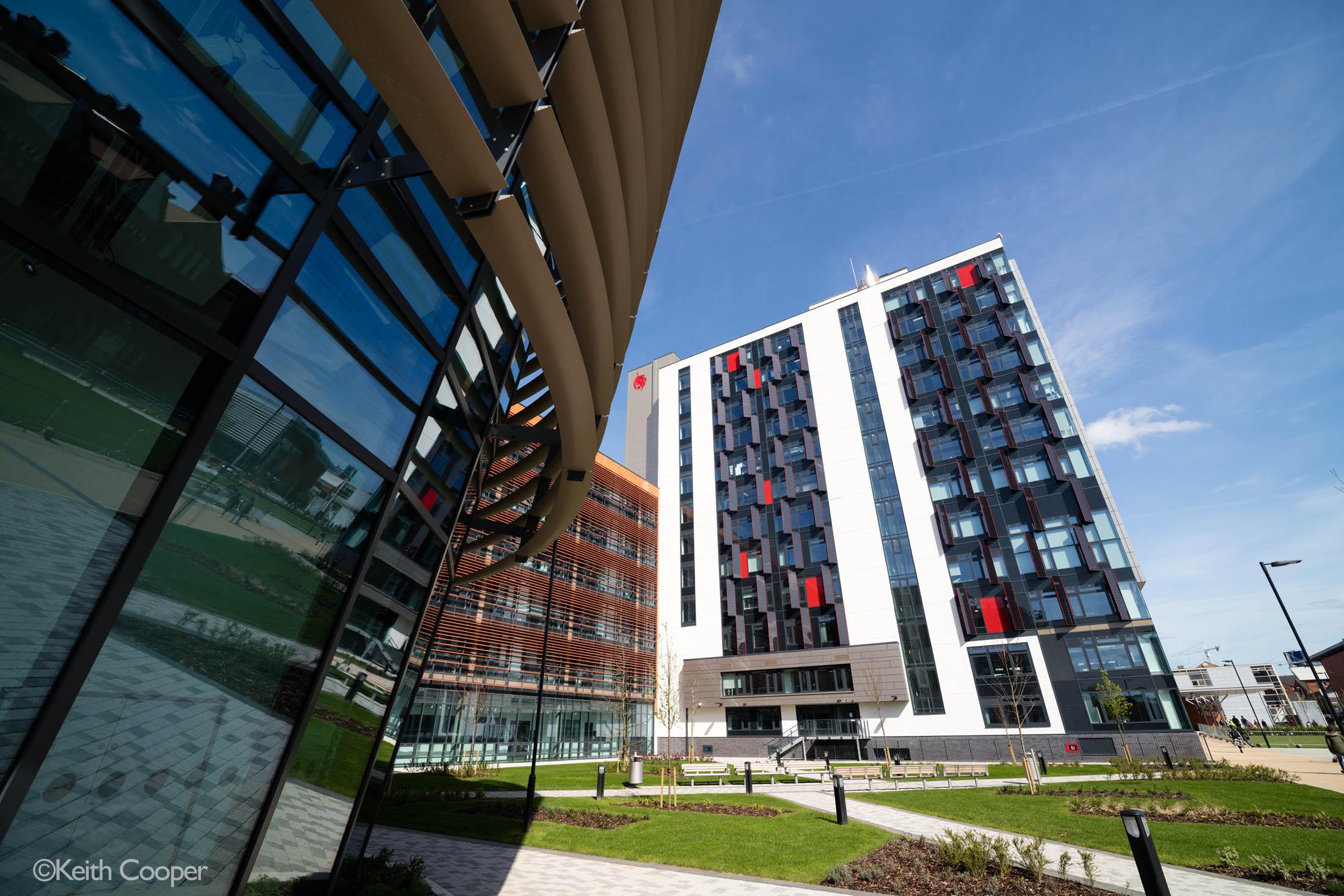 leaning-buildings