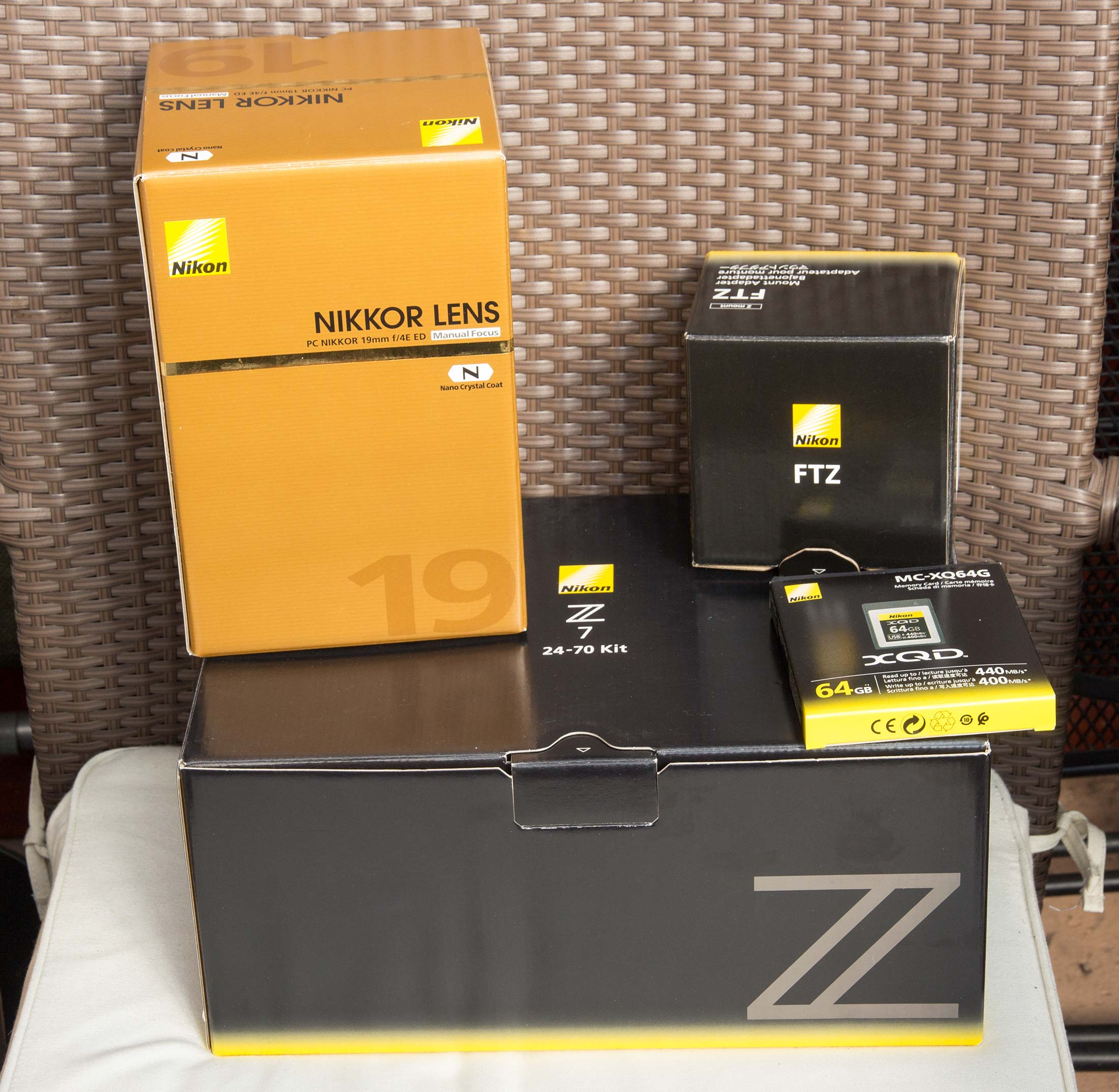 Z7 kit-and-lens