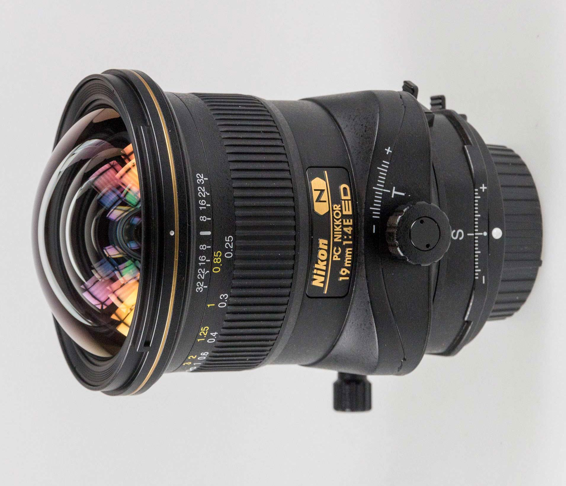 Nikon 19mm F4 tilt shift