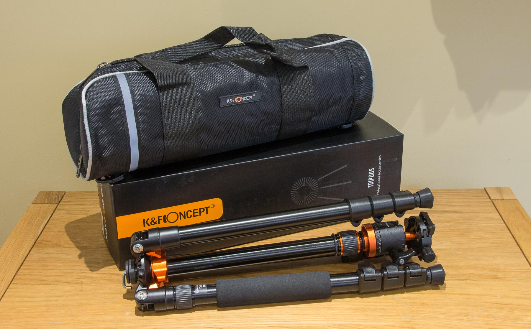 SA254T1-tripod-and-bag